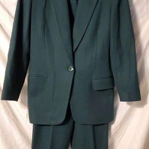 Worthington Suit 6P Green